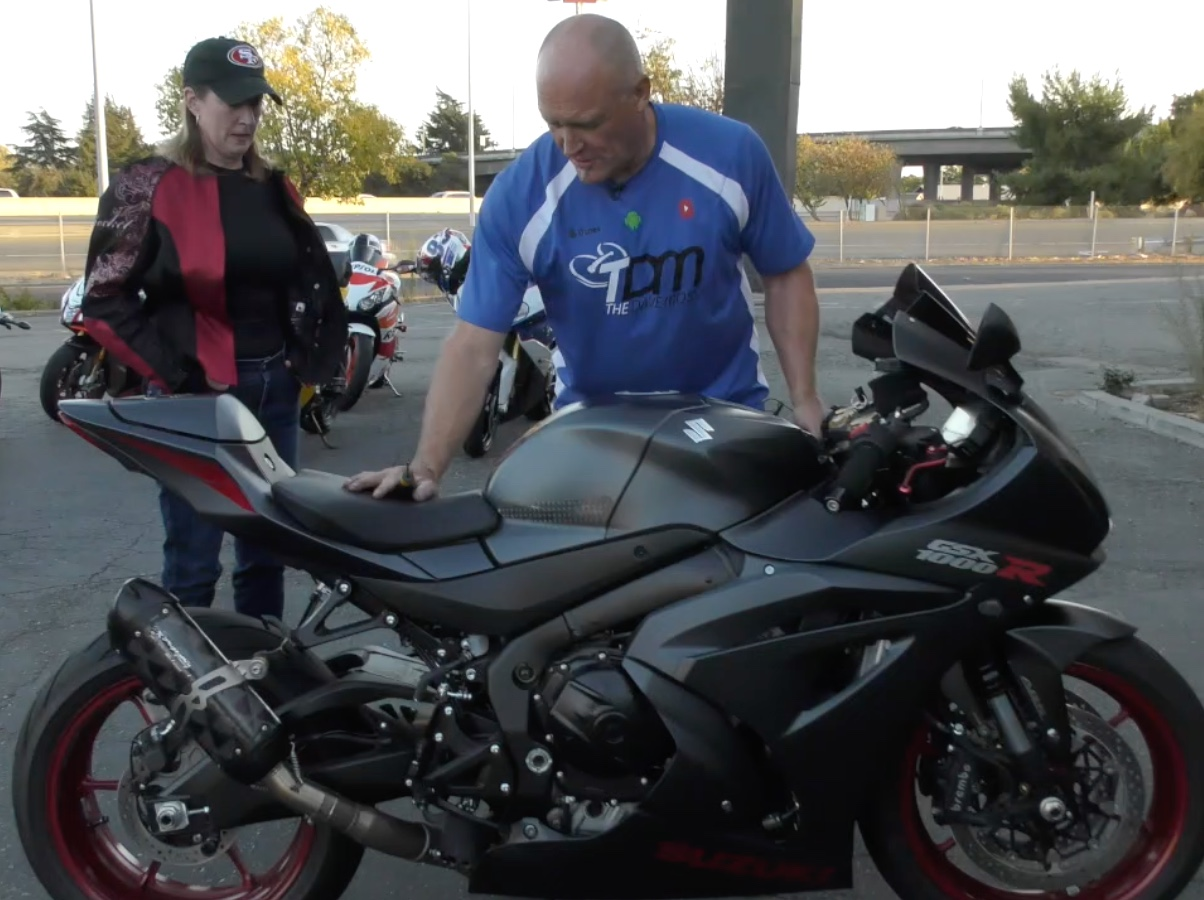 2 Clicks Out: Mr  & Mrs  Gixxer 1000 – Dave Moss Tuning